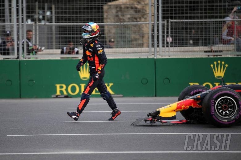 Verstappen and Ricciardo ordered to make Red Bull F1 factory apology