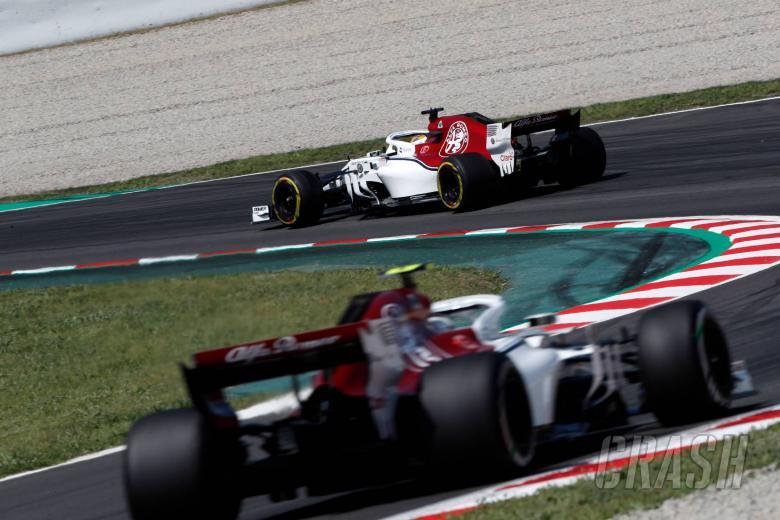 11.05.2018 - Free Practice 2, Marcus Ericsson (SUE) Sauber C37 leads Charles Leclerc (MON) Sauber C37