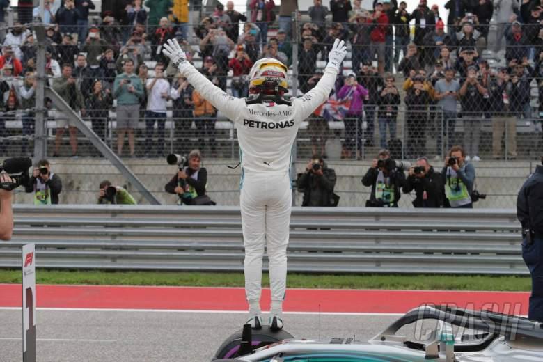 20.10.2018- Qualifying, Lewis Hamilton (GBR) Mercedes AMG F1 W09 celebrates his pole position