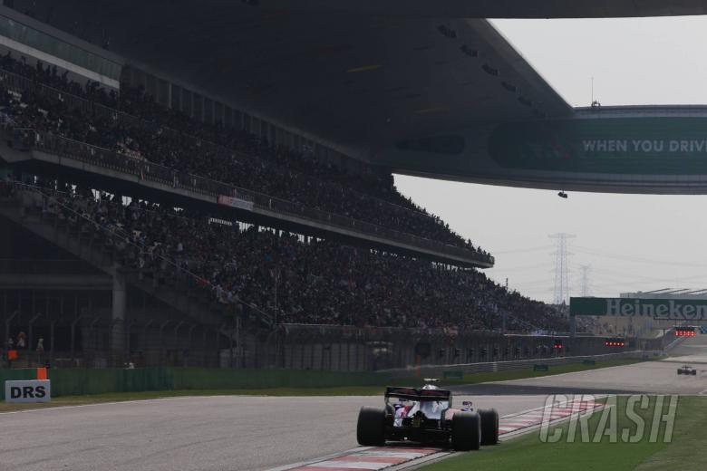 F1: Kvyat, Sainz disagree over Lap 1 clash