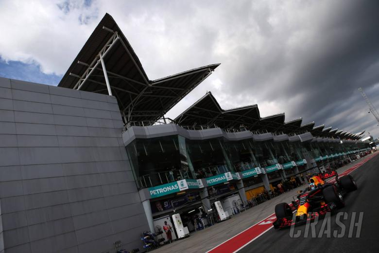 FP1 - Verstappen leads Red Bull one-two in rain-hit Sepang