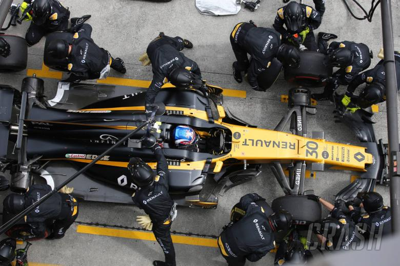 F1: Pit stop improvements key for Renault in 2018