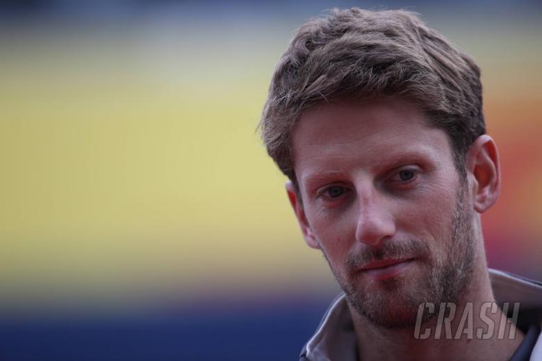 F1: VIDEO: Grosjean sparks F1 seatbelt debate in driver briefing
