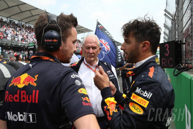 Red Bull waiting for 'right time' to open Ricciardo contract talks