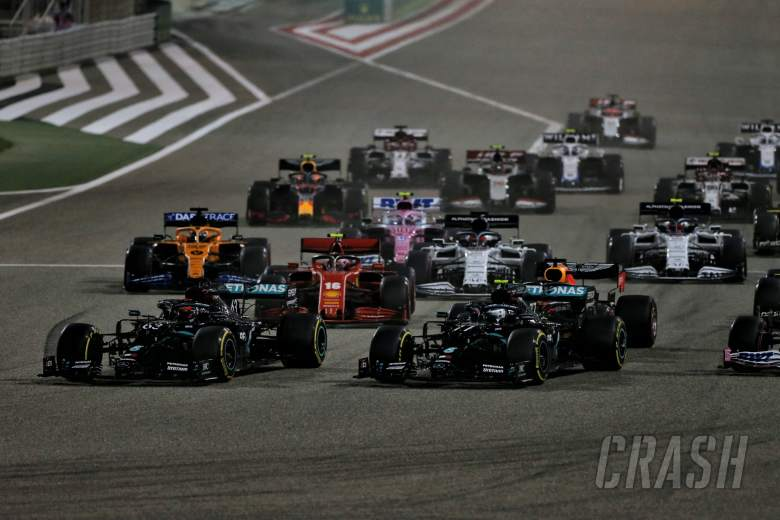 (L to R): George Russell (GBR) Mercedes AMG F1 W11, Valtteri Bottas (FIN) Mercedes AMG F1 W11, and Sergio Perez (MEX) Racing Point F1 Team RP19, at the start of the race.