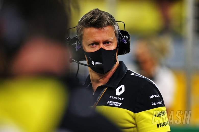 Marcin Budkowski (POL) Renault F1 Team Executive Director on the grid.