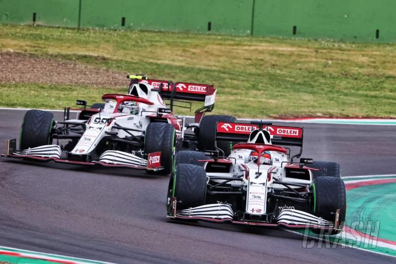 Kimi Raikkonen (FIN) Alfa Romeo Racing C41 leads team mate Antonio Giovinazzi (ITA) Alfa Romeo Racing C41.
