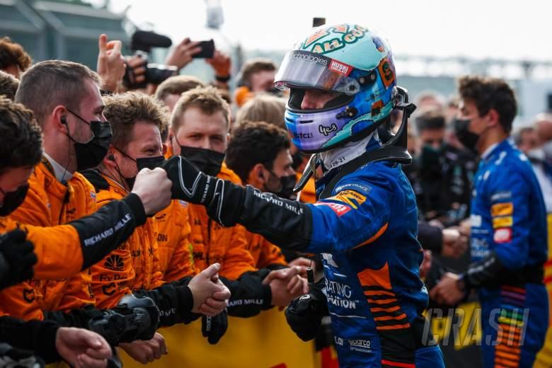 Daniel Ricciardo (AUS) McLaren with the team in parc ferme.