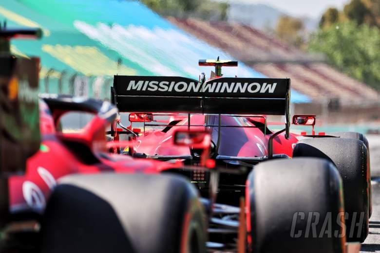 Carlos Sainz Jr (ESP) Ferrari SF-21 and Charles Leclerc (MON) Ferrari SF-21.