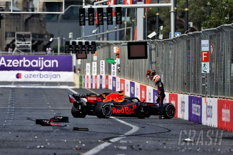 Max Verstappen (NLD) Red Bull Racing RB16B crashed out of the lead of the race.