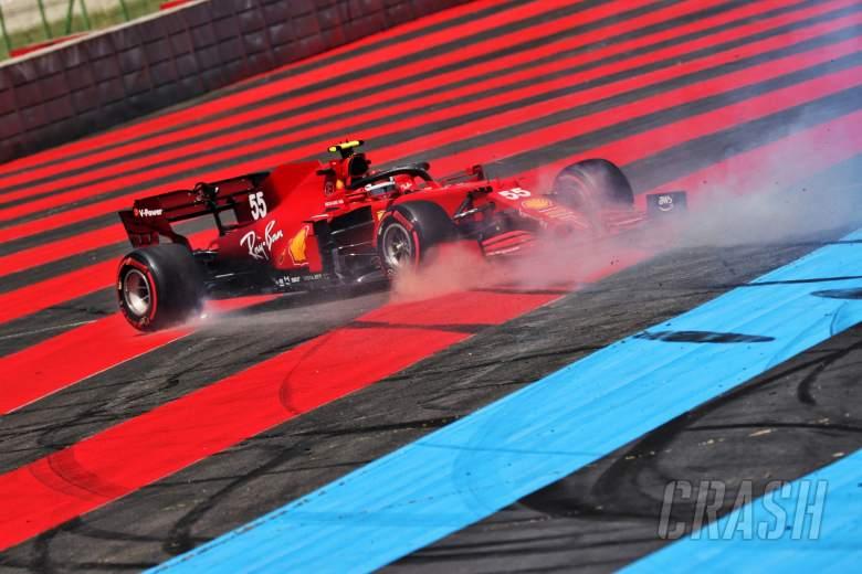 Carlos Sainz Jr (ESP) Ferrari SF-21 spins in the first practice session.