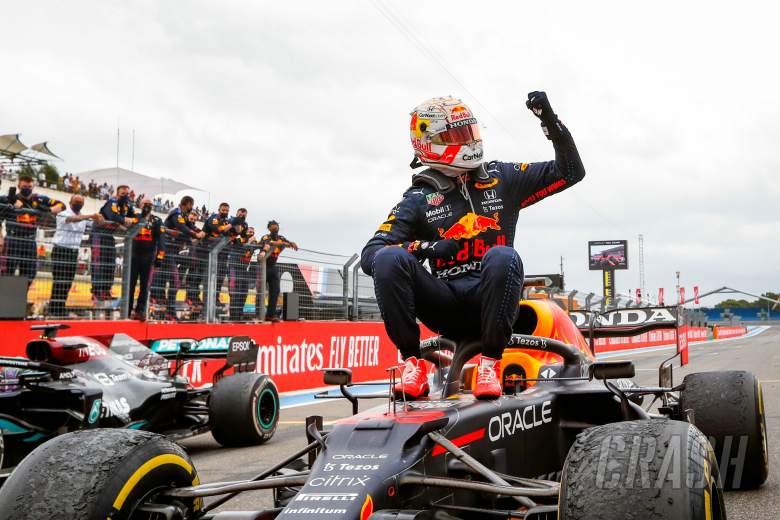 Race winner Max Verstappen (NLD) Red Bull Racing RB16B celebrates in parc ferme.