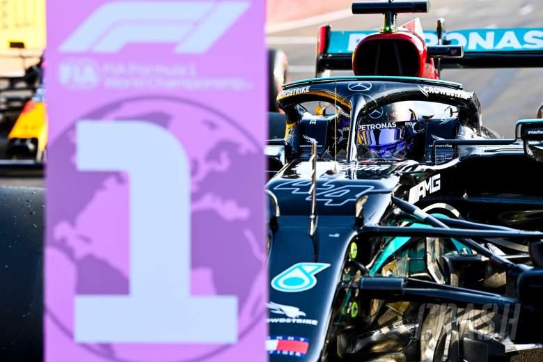 Fastest in qualifying Lewis Hamilton (GBR) Mercedes AMG F1 W12 in parc ferme.