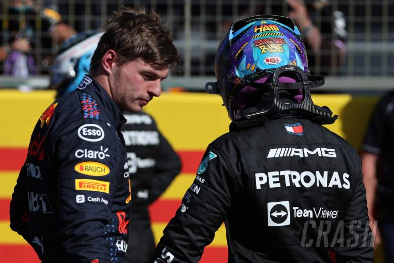 Max Verstappen (NLD) Red Bull Racing wins the sprint race and claims pole position with Lewis Hamilton (GBR) Mercedes AMG F1.