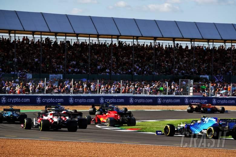 Carlos Sainz Jr (ESP) Ferrari SF-21 runs wide.