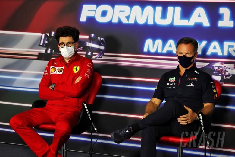(L to R): Mattia Binotto (ITA) Team Principal Ferrari dan Christian Horner (GBR) Red Bull Racing Team Principal dalam Konferensi Pers FIA.