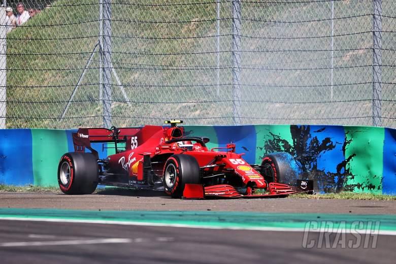 Carlos Sainz Jr (ESP) Ferrari SF-21 crashed out of qualifying.