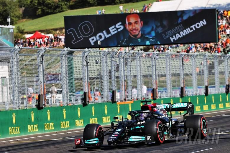 Pole sitter Lewis Hamilton (GBR) Mercedes AMG F1 W12 arrives in parc ferme.