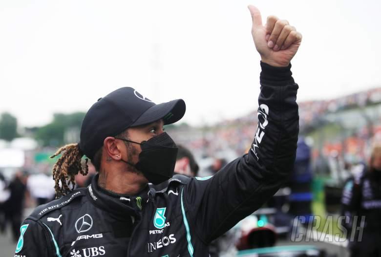 Lewis Hamilton (GBR) Mercedes AMG F1 in parc ferme.