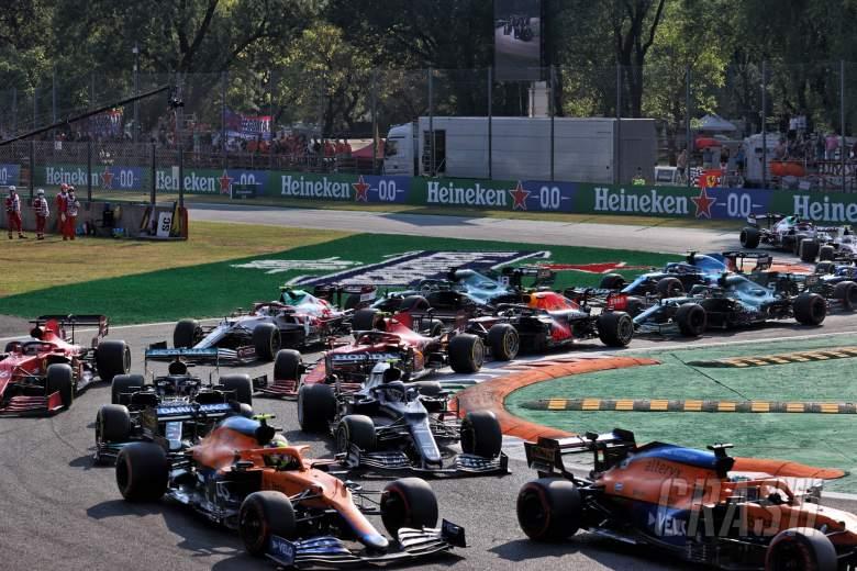 Daniel Ricciardo (AUS) McLaren MCL35M leads Lando Norris (GBR) McLaren MCL35M, Pierre Gasly (FRA) AlphaTauri AT02 and Lewis Hamilton (GBR) Mercedes AMG F1 W12 at the start.