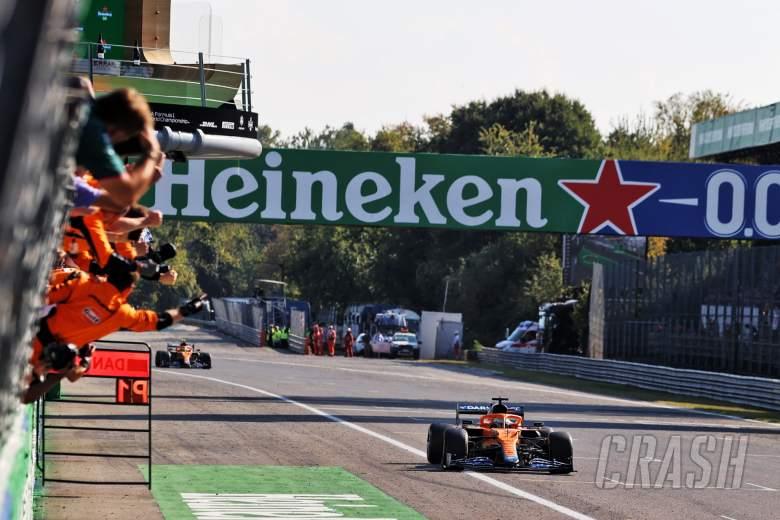 Race winner Daniel Ricciardo (AUS) McLaren MCL35M celebrates as he passes the team at the end of the race.