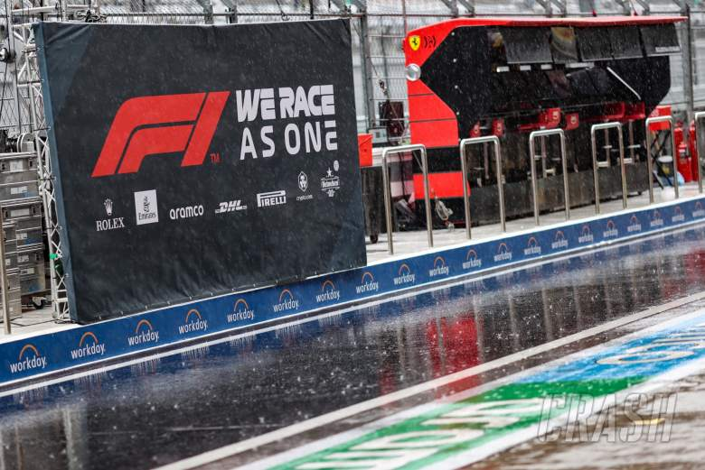 Circuit atmosphere - rain falls in the pits as FP3 is cancelled.