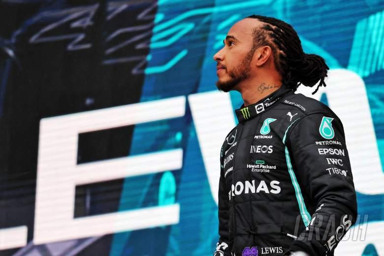 Race winner Lewis Hamilton (GBR) Mercedes AMG F1 on the podium.
