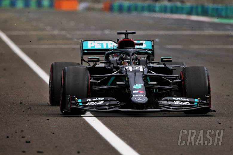 "Hamilton explains ""crucial risk"" of F1 fastest lap bonus point"
