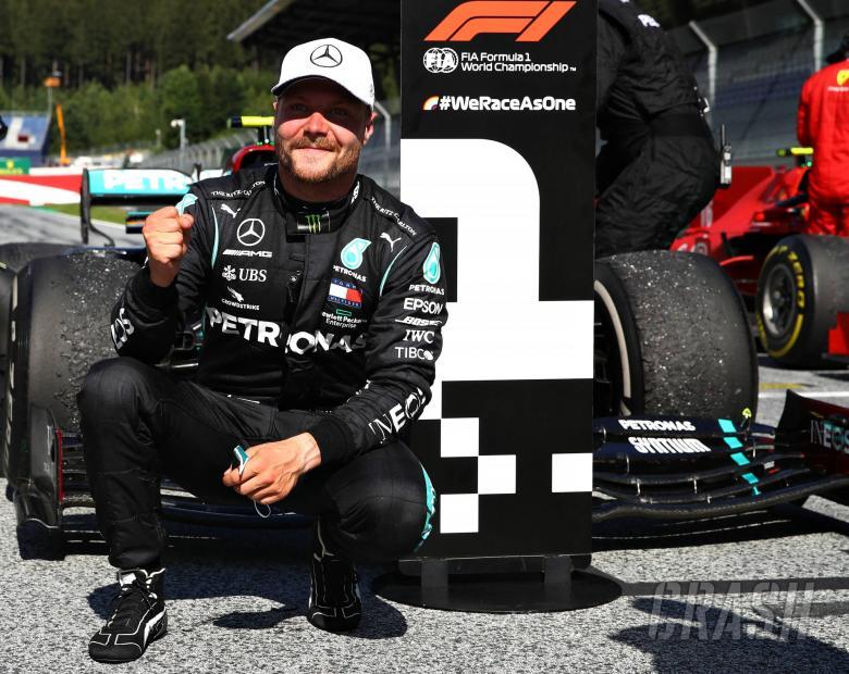 Race winner Valtteri Bottas (FIN) Mercedes AMG F1 celebrates in parc ferme.