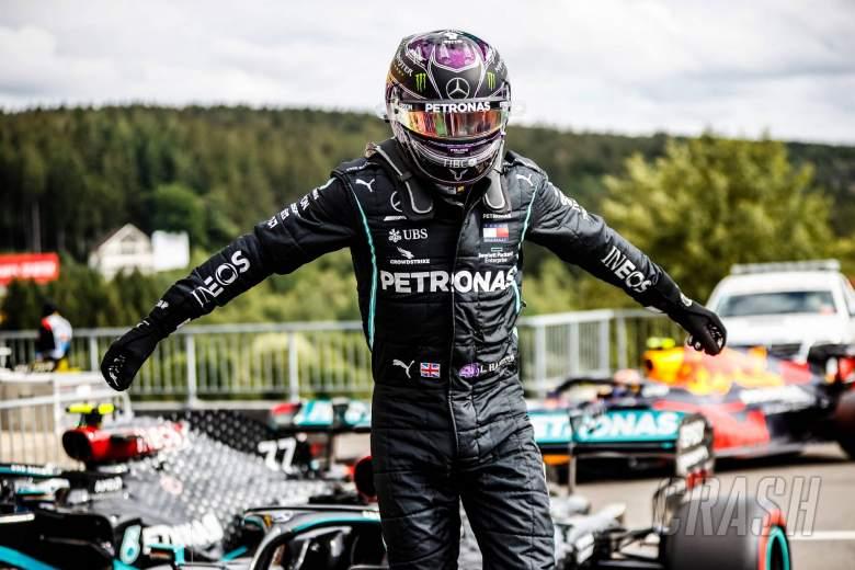 "Wolff menggambarkan Hamilton sebagai ""makhluk luar angkasa"" setelah tiang F1 Belgia"