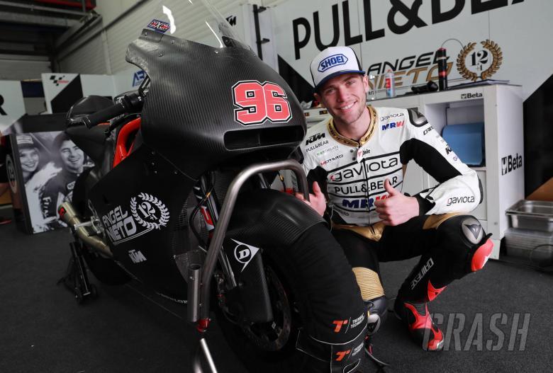 Moto2: Dixon quickest in the wet