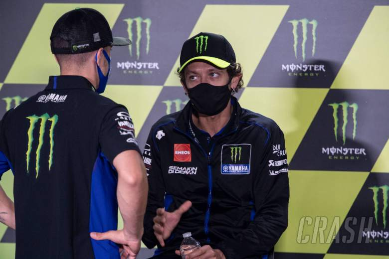 Vinales tercepat dengan suku cadang baru, Rossi 'menemukan sesuatu'