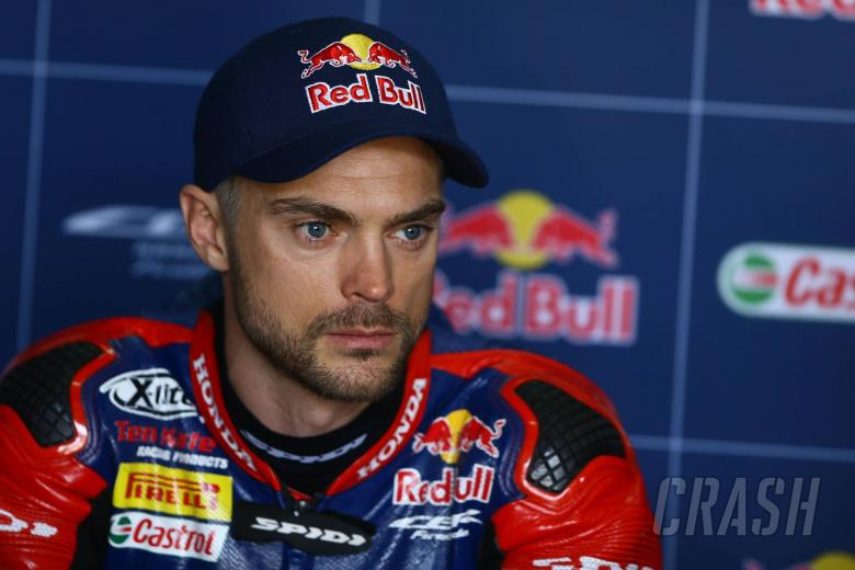World Superbikes: Camier suffers chest injury, rib fractures in nasty Aragon fall