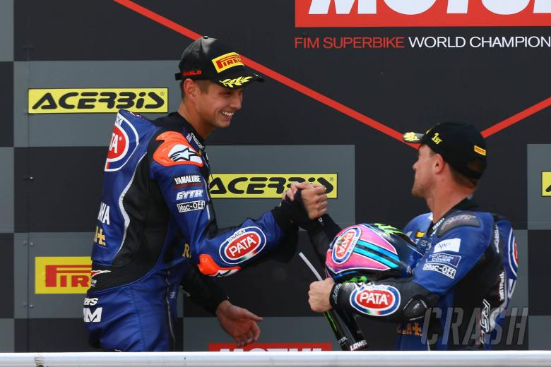 Pata Yamaha retains van der Mark, Lowes for 2019