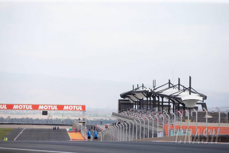 Pembalap 'Villicum Six' mengeluarkan pernyataan, bersiap untuk balapan hari ini