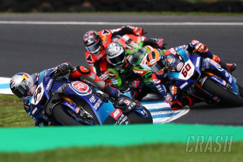 Razgatlioglu 'menegaskan', Yamaha 'meluncur' ke kemenangan debut