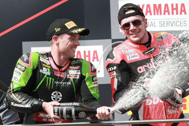 Lowes beats Rea to take World Superbike points lead