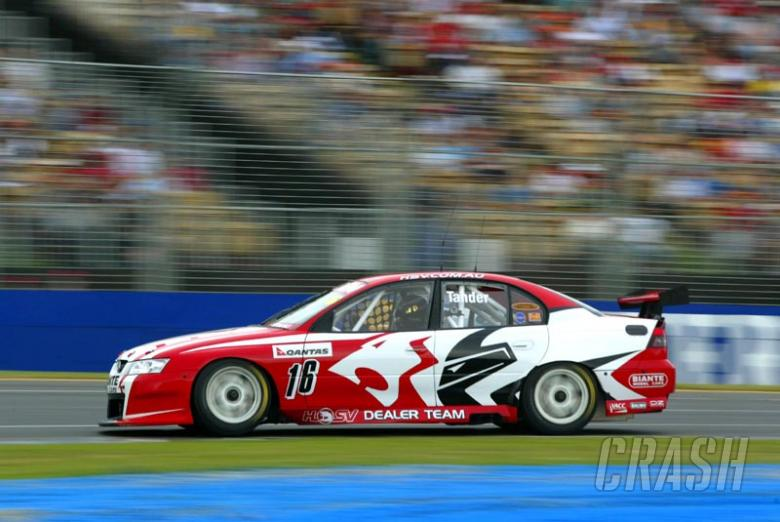 Tander wins race three, Kelly claims round.