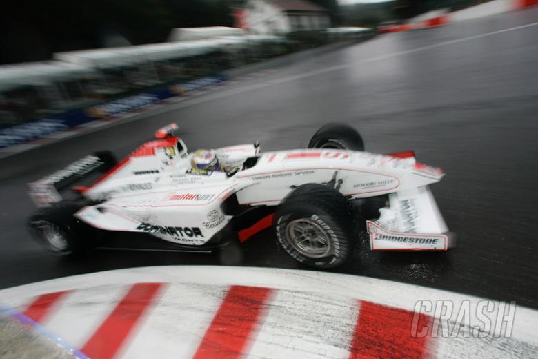 Piquet survives to win Spa crash-fest.