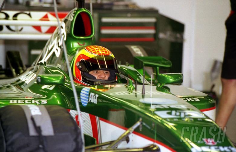 Jaguar confirms Webber, Pizzonia for 2003.