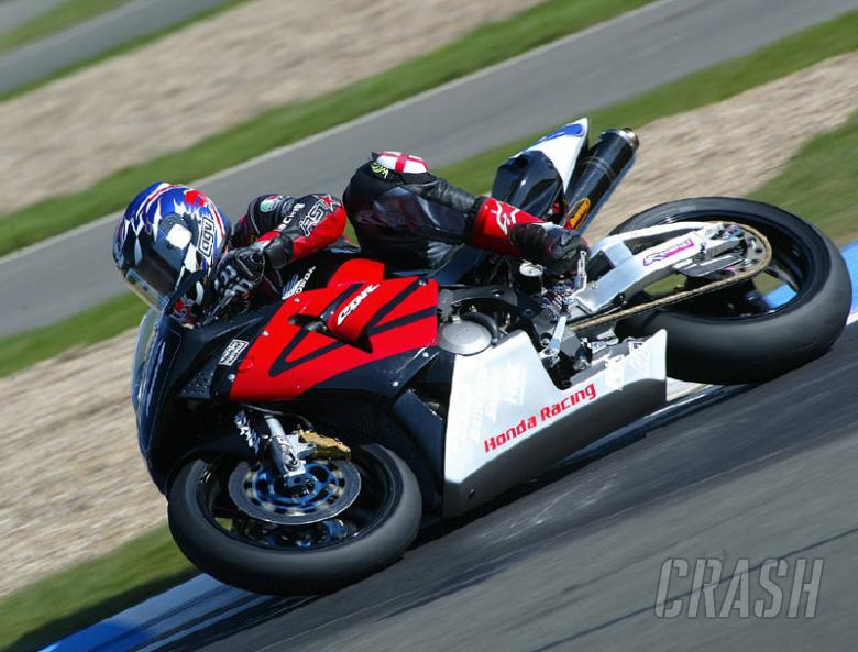 Harris keeps Supersport lead.