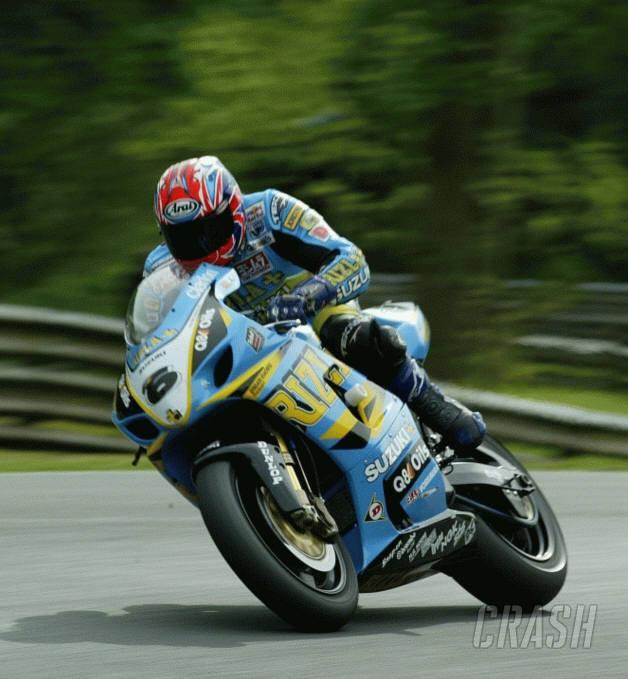 Reynolds on Superbike pole at Cadwell.