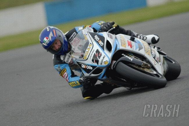 Rizla's silver racers on the pace at Donington.