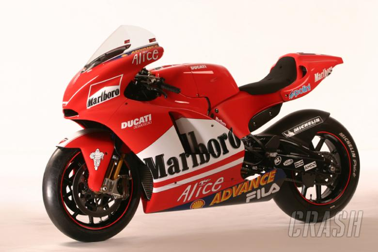 Ducati Desmosedici GP4 - technical specification.