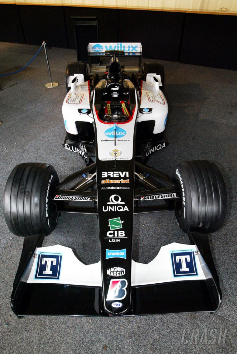 Minardi confirms title sponsor - Wilux.