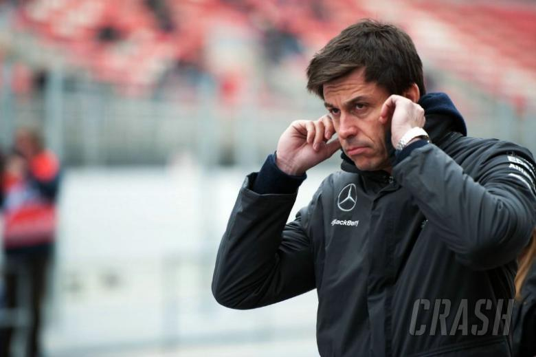 Wolff demands F1 to stop its negativity