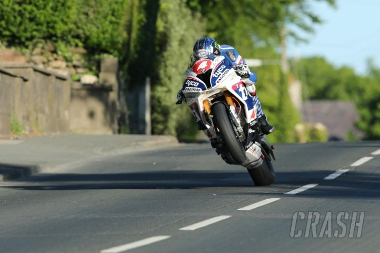 TT 2016: Hutchy doubles up with Superstock win