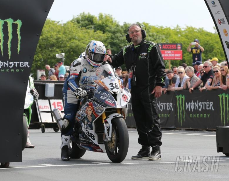 TT 2016: Paul Shoesmith killed in practice incident
