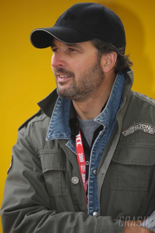 Yvan Muller inks Chevrolet deal