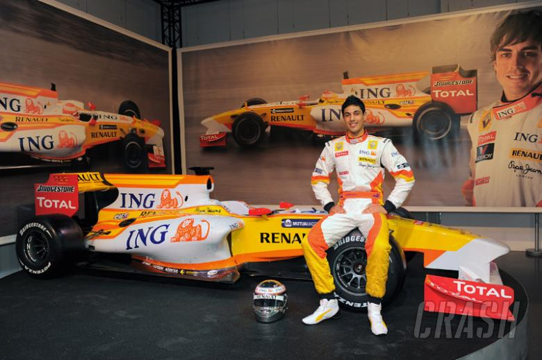 Adam Khan - ING Renault R29 [pic credit: Renault F1]
